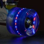 Land Surfer Skateboard Rétro Cruiser avec planche transparente de 56 cm - Roulements ABEC-7 – Roues de 59 mm à DEL qui s'illuminent quand elles tournent + sac de transport de la marque Land Surfer image 3 produit