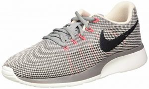 Nike Tanjun Racer, Sneakers Basses Homme de la marque Nike image 0 produit